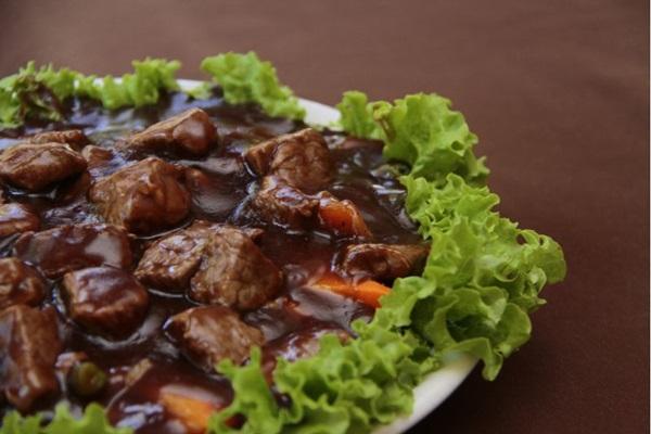 A simplicidade e o sabor dos pratos do Bali são pontos positivos (Ana Rayssa/Esp. CB/D.A Press)