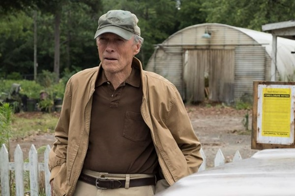 Clint Eastwood dirige e estrela 'A mula' (Reprodução/Internet)