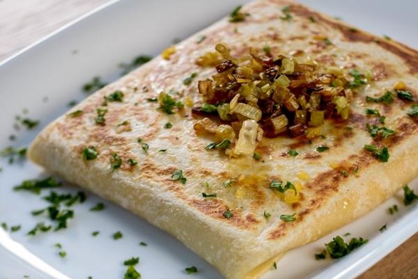 No Chez L%u2019ami, pode-se escolher dentre seis opções de crepe sem carne no menu (Vini Goulart/Divulgação)