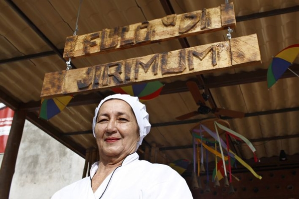 Nivalda Neves comanda as caçarolas no Fulô di Jirimum (Ana Rayssa/Esp. CB/D.A Press)