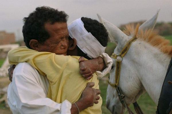 Yomeddine %u2014 Em busca de um lar acompanha família pobre do Egito (Imovision/Divulgação)