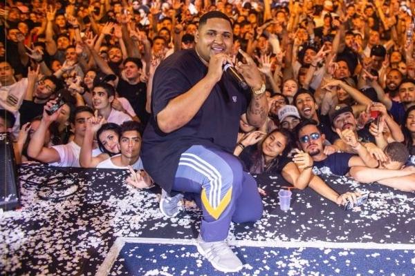 Kevin O Chris (foto) e Renan da Penha são atrações da festa Drop ( Influenza/Divulgação)