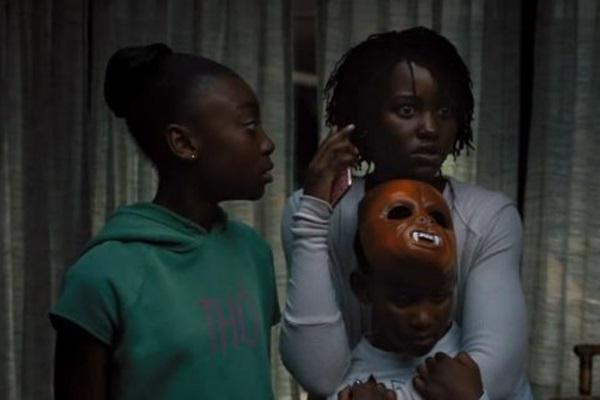 A ganhadora do Oscar Lupita Nyong'o, ao lado da revelação de Nós, a menina Shahadi Wright Joseph  (Universal/Divulgação)