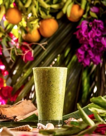 Bendito suco com abacaxi, laranja, rúcula e hortelã (Guilherme Teixeira/Divulgação)