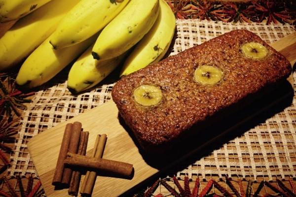 Bolo artesanal de aveia com banana (Fica, vai ter bolo/Divulgação)