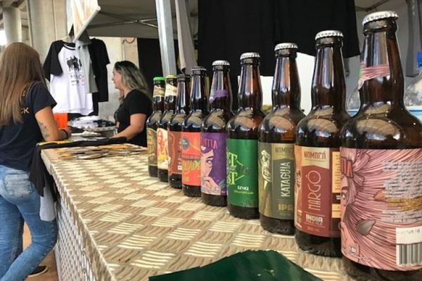 30 cervejarias e cinco beer trucks estarão presentes no evento (KB2 Produtora/Divulgação)
