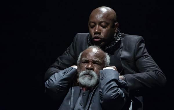 Pai e filho debatem relação em peça que chega a Brasília (Valmyr Ferreira Luz/Divulgação)