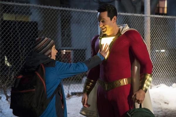 De forma leve, 'Shazam!' trata dos sete pecados capitais  (Steve Wilkie/Warner Bros)