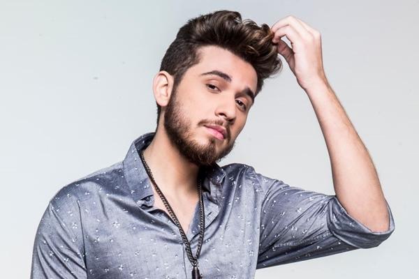 Gustavo Mioto é o responsável por animar a noite com a música sertaneja ( Access Mídia/Divulgação)