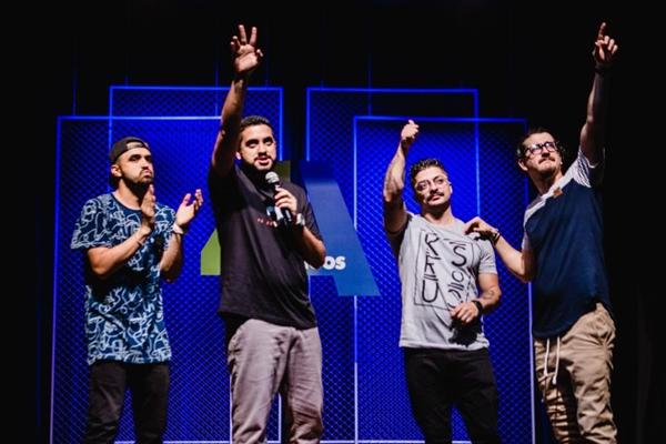 Grupo 4 amigos é formado por Afonso Padilha, Dihh Lopes, Marcio Donato e Thiago Ventura (Juliana Nunes/Divulgação.)