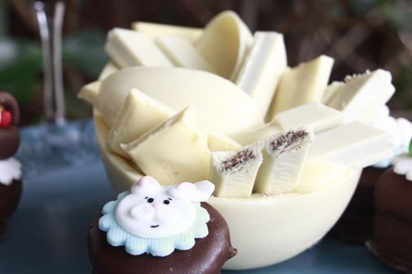 Os ovos de colher do Hiago Miguel são feitas de chocolate Callebaut meio amargo, ao leite, branco e ruby  (Vinicius Cardoso Vieira/CB/D.A Press)