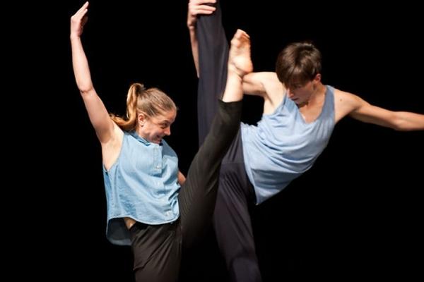 Tel quel!, do francês Thomas Lebrum: dança para público jovem (Thomas Lebrum/Divulgação)