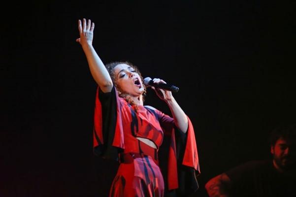 Ao lado do grupo A roda, Laila Garin cantará músicas como 'Arrastão' (Edson Lopes/Divulgação)