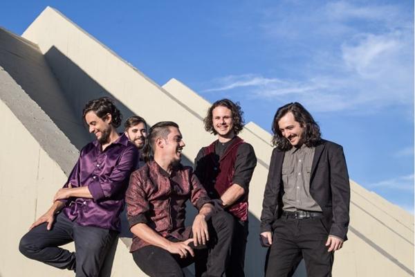 A banda O Tarot promete muita animação em festival no Pontão (Artur Dias/Divulgação)