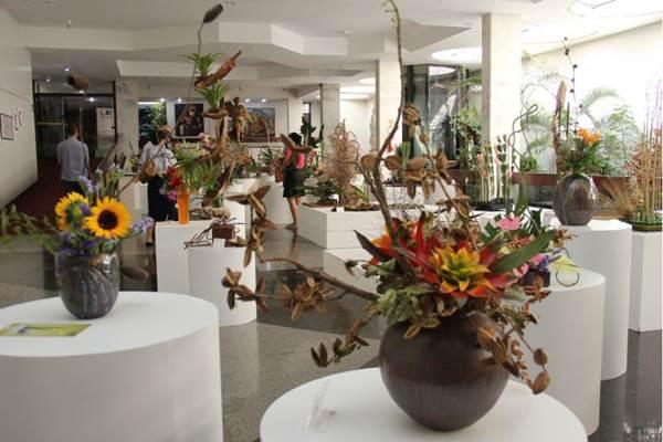 O templo da LBV recebe exposição de ikebanas até o fim do mês (José Gonçalo/Divulgação)