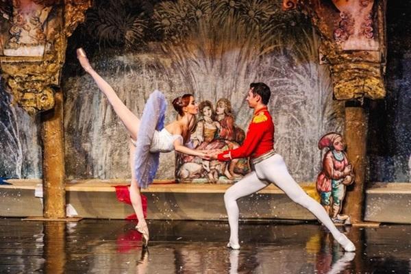 The best of Tchaikovsky reúne atos de três coreografias consagradas (Uzakov Pobede/Divulgação)