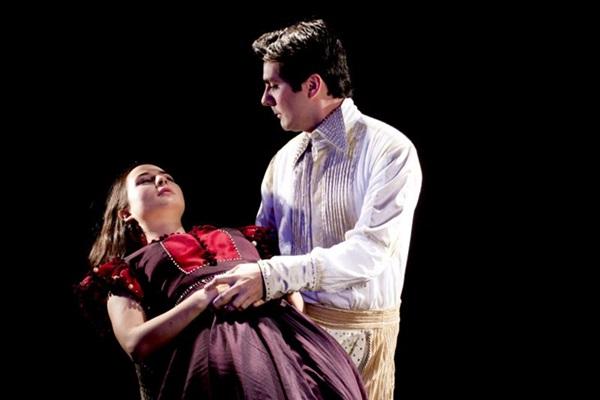 O projeto reúne personagens de três peças de Shakespeare e ainda leva o dramaturgo ao palco (Thiago Sabino/Divulgacao)