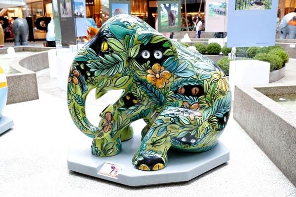Cada elefantinho da exposição foi customizado por um artista plástico diferente ( Cristiano Sérgio/FOTOFORUM)