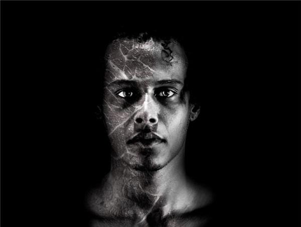 Espetáculo 'ATOR' resgata a poesia de Antonin Artaud (Luiz Alves/Divulgação)
