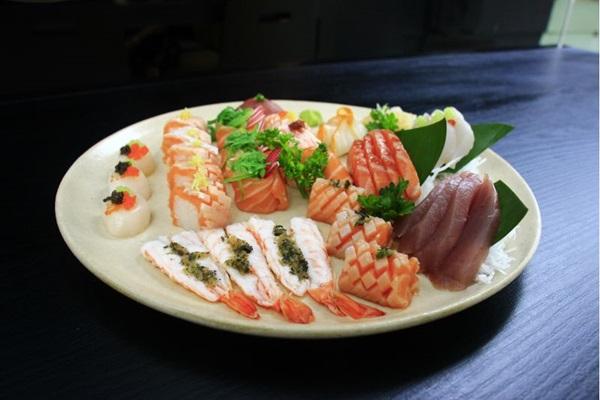 Os sushis são um dos destaques no menu do Sushi San Experience (Vinicius Cardoso Vieira/Esp. CB/D.A Press)