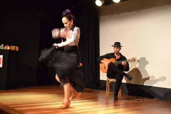 Espetáculo Mosaico flamenco (Débora Amorim/Divulgação)