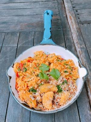 O arroz de moqueca é uma das opções mais pedidas no Loca como tu madre (Max Cajé/Divulgação)