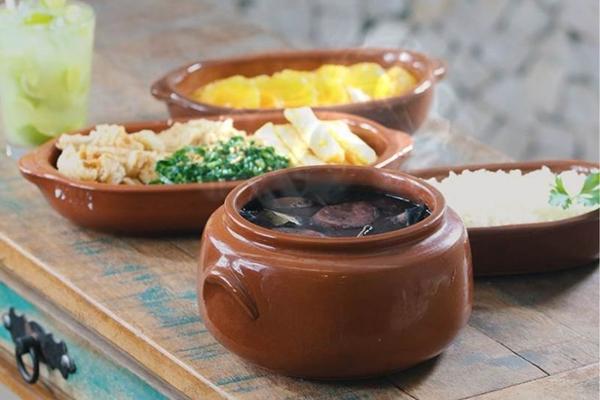 A feijoada serve duas pessoas no Sebinho Café (Arquivo Pessoal/Sebinho Café)
