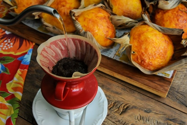 Os cafés da casa podem ser uma boa companhia para a pamonha doce (Barbara Cabral/Esp. CB/D.A Press)