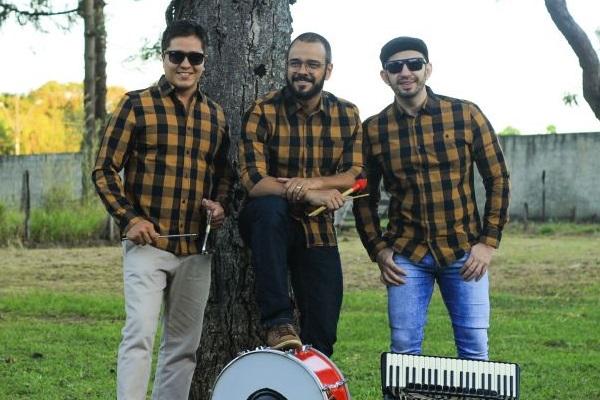 Trio Calangueado anima o são-joão do Cruzeiro ( Suvaco do João/Divulgação)