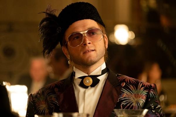 Taron Egerton impressiona ao viver Elton John nas telas (David Appleby/Paramount Pictures)