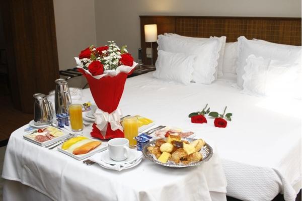 O café da manhã pode ser pedido no quarto no Windsor Plaza Brasília (Ana Rayssa/CB/D.A Press)