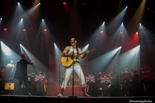 André Abreu é um intérprete profissional de Freddie Mercury (Moamay/Divulgação)