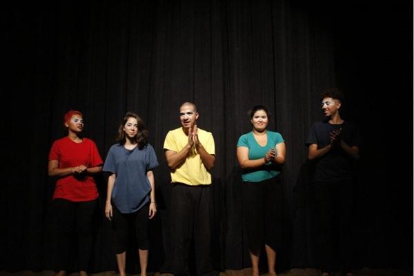 A apresentação de 'O arraial da Bela Adormecida' faz parte do projeto Domingo é dia de teatro (Cantinho Produções/Divulgação)