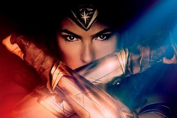 Gal Gadot dá vida a uma heroína não sexualizada nas telas (Warner Bros/Divulgação)