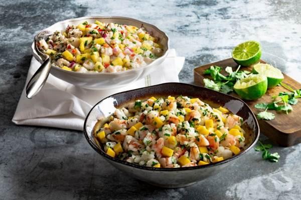 O pinhão é um dos ingredientes das saladas preparadas especialmente para o inverno no Fogo de Chão (Fogo de Chão/Divulgação)