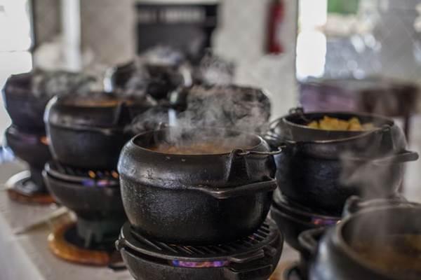 Servido no bufê aos domingos, o cozido é um sucesso no Bar Brasília (Lucas Ferreira/Divulgação)