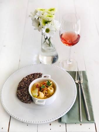 Os preparos servidos no almoço de fim de semana do Seu Patrício Querido Café são algumas das receitas da Oh, Food! (Oh, food/Divulgação)