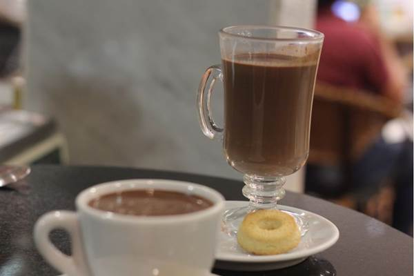 O chocolate quente é cremoso e pode conter canela, o que dá um sabor especial (Bárbara Cabral/Esp. CB/D.A Press)