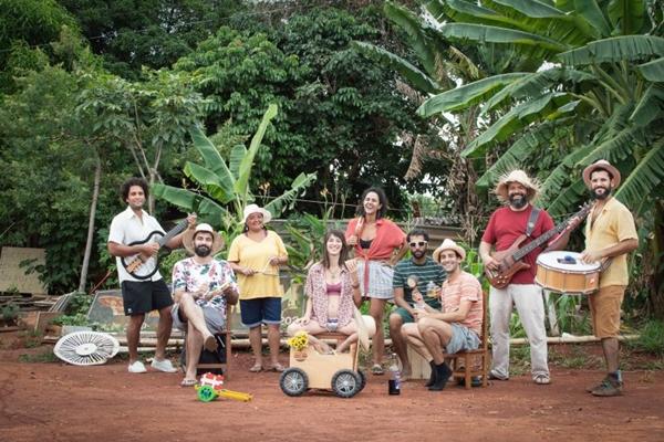 O grupo Charretinha do Forró nasceu durante o período junino (Tainá Xavier/Fotocoletivo Lumics/Divulgação)