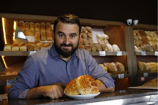 O pão de canjica é a receita deste mês na La Boulangerie (Ana Rayssa/CB/D.A Press)