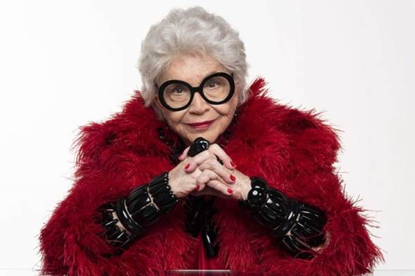 Iris Apfel tem 97 anos e muito vigor (Rodrigo Lopes/Divulgação)