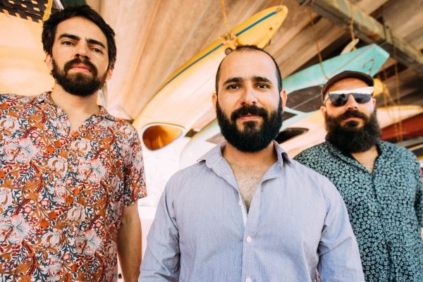 Trio Passo Largo se apresenta no festival Música Não É Barulho no Distrito Federal (Thaís Mallon/Divulgação)