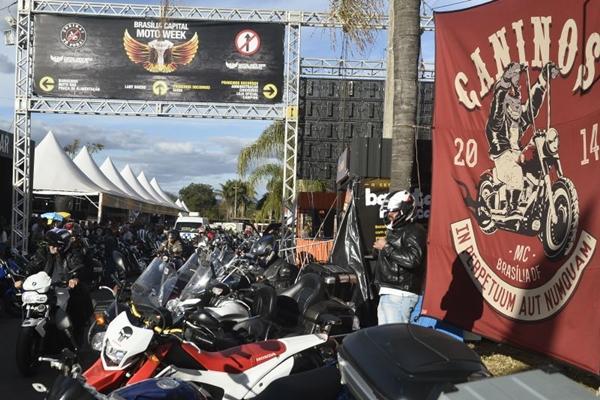 Programação dedicada aos motociclistas e roqueiros na Asa Norte  ( Minervino Junior/CB/D.A Press)