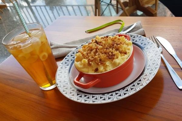 O Mac'n'Cheese da casa é feito com cheddar inglês maturado (The Coffee Hut/Divulgação)