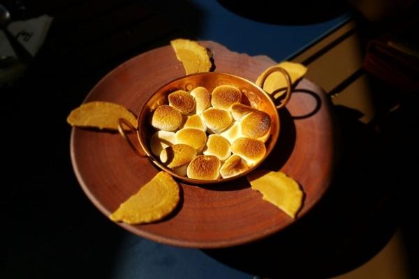 O famoso S'mores ganha um toque oriental nas mãos do chef Bruno Kamakura (Renata Rios/CB/D.A Press)