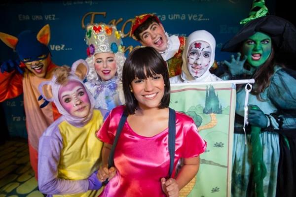Dora e seu amigo Botas chegam até a terra do Mágico de Oz e vivem muitas aventuras  (Lua Rodrigues/Divulgação)