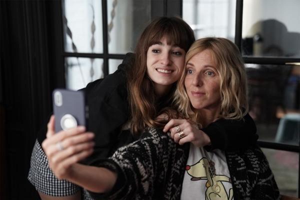 Sandrine Kiberlain interpreta uma mãe quase leoa na comédia  (AgenciaFebre/Divulgacao)