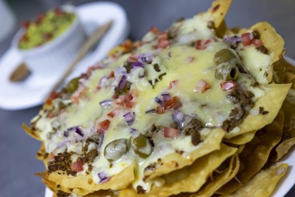 O prato El Nacho é a sugestão da casa para uma noite de jogos em família (A Toca/Divulgação)