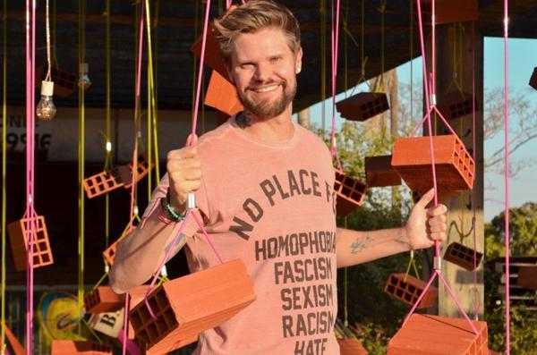 Idealizador e organizador da ocupação contém, DJ Biondo tocará na festa Divino Maravilhoso - Solstício de carnaval (Clara Lobo/Esp. CB/D.A Press)
