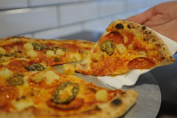 As pizzas artesanais do Vinny%u2019s se inspiram nas receitas napolitanas (Bárbara Cabral/Esp. CB/D.A Press)
